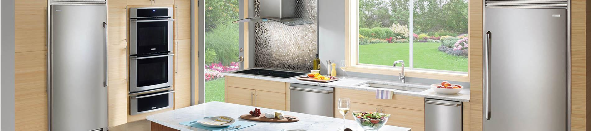 Bamboo, Kitchen, Twin, Fridge, Frigidaire, Wall Oven, Cooktop, Dishwasher