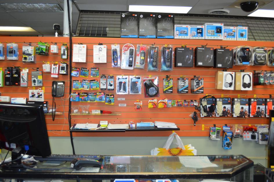 tv,remote,accessories